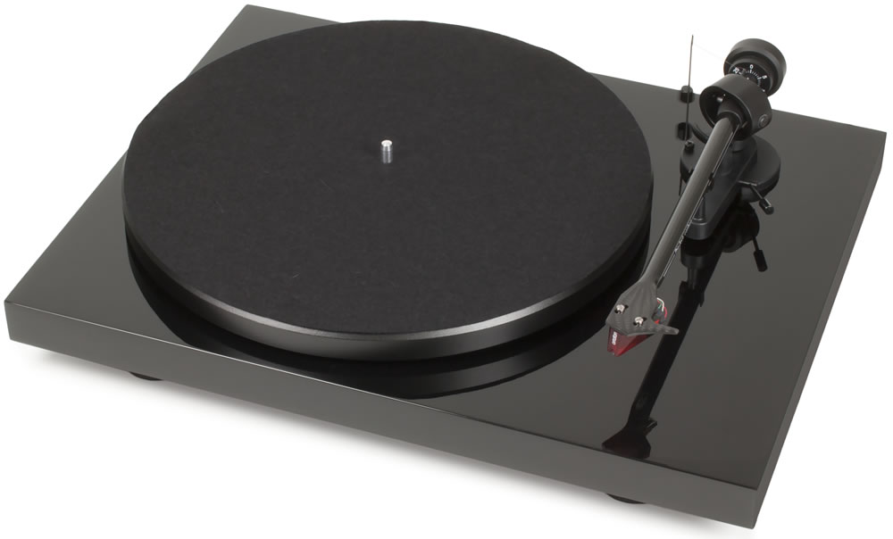 Pro-Ject Audio Systems- Debut Carbon