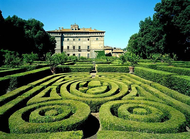 castello-Ruspoli1