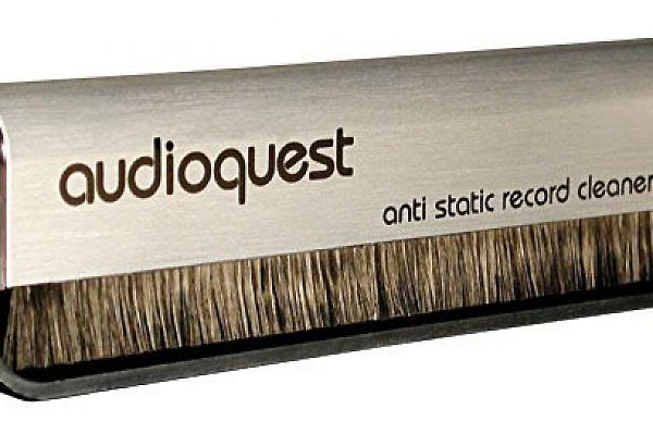 audioquest-anti-static-record-cleaning-brush-spazzola-vinili