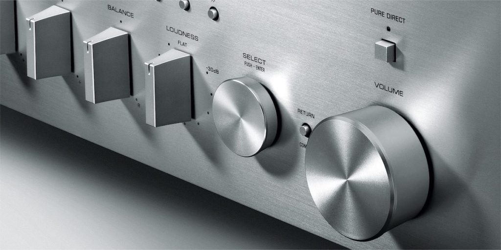 Yamaha R-N803D dettaglio frontale